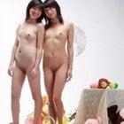 ぬいぐるみと全裸少女たち