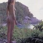 自然の中の美女ヌード