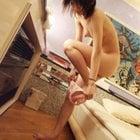 ラブホで下着を脱ぐ女の子