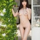 均整ある裸体美女
