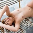 美少女の全裸ヌード写真-もこ