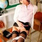 美人教師の下半身